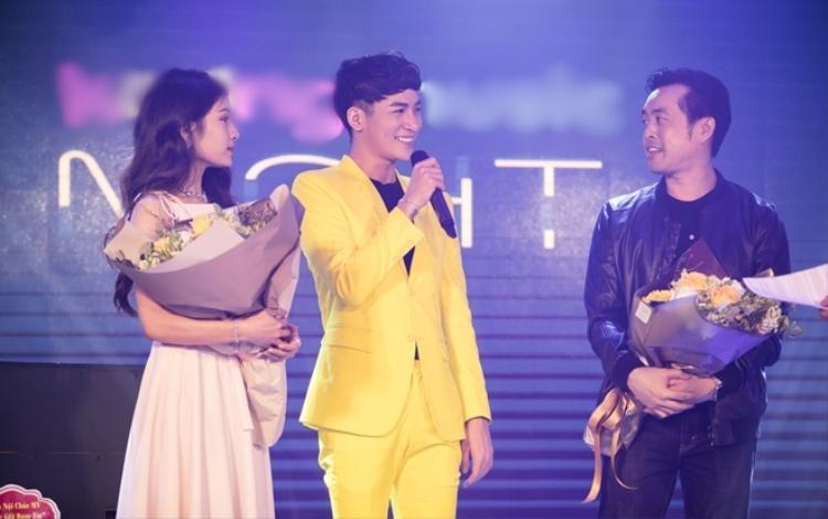 Trong đêm nhạc, nhạc sĩ Dương Khắc Linh và diễn viên Ngọc Duyên cũng xuất hiện để chúc mừng Ali Hoàng Dương.