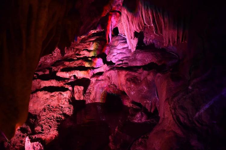 Động Tiên Nữ được xem là hang động đẹp nhất vùng Tây Bắc.