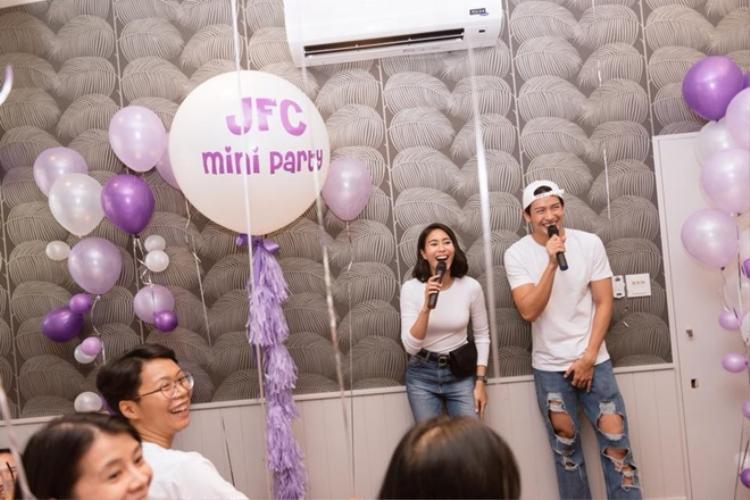 Jooy cười không ngớt khi Push xuất hiện tại buổi họp fan của mình.