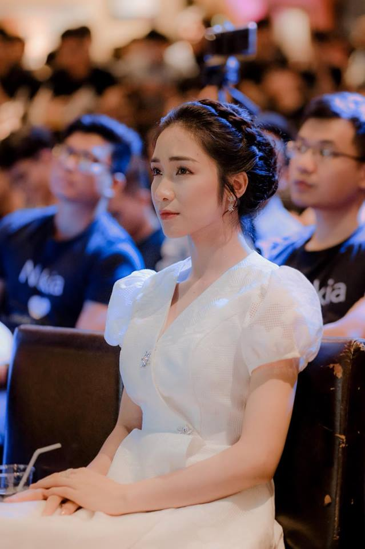 Từng bị Hội Thánh Đức Chúa Trời dùng chiêu trò tinh vi tiếp cận, Hoà Minzy hoảng sợ cảnh báo fan?