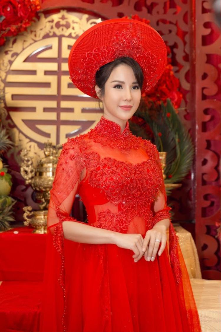 Diệp Lâm Anh: Hành trình tìm chỗ đứng trong showbiz và cái kết viên mãn với chồng thiếu gia