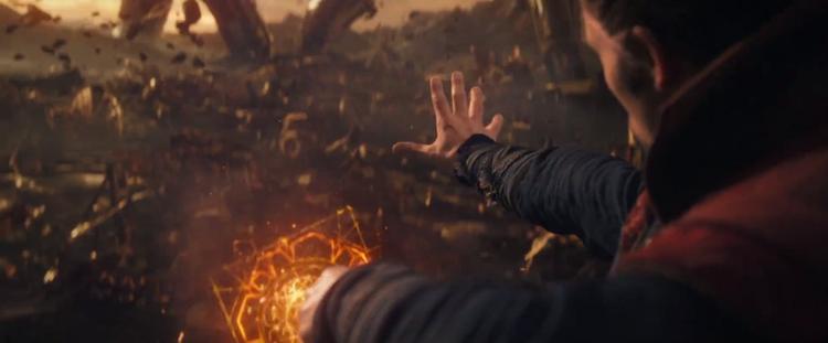 Thanos thu thập đá Vô Cực, người xem thu nhặt sạn vô biên trong Avengers: Infinity War