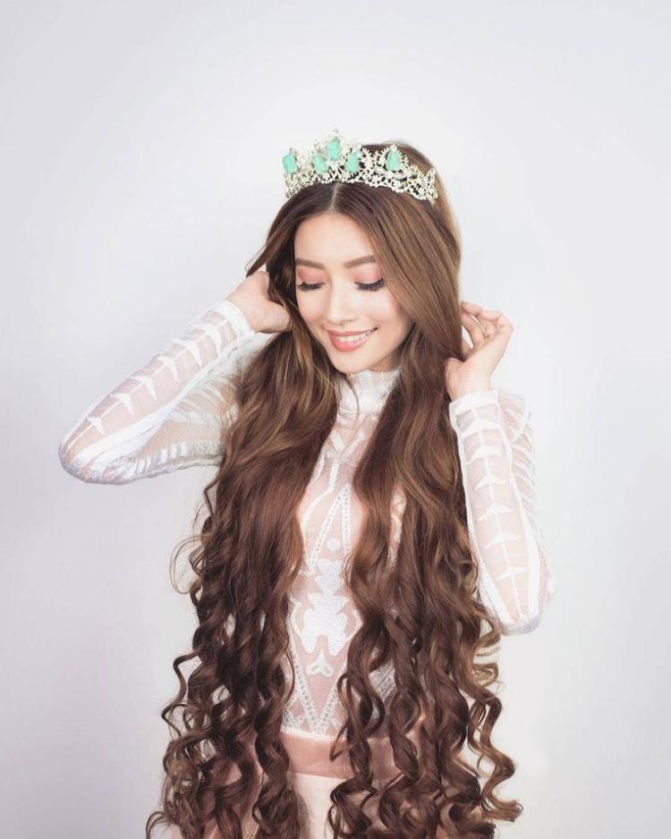 Hot girl tóc mây gốc Việt khiến các cô gái khác phải ganh tỵ vì nhan sắc và cuộc sống màu hồng cổ tích