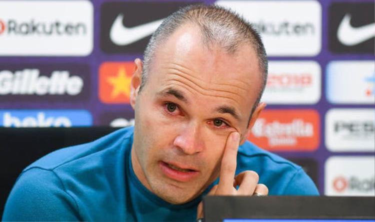 Tiền vệ Iniesta nức nở trong ngày tuyên bố chia tay Barcelona