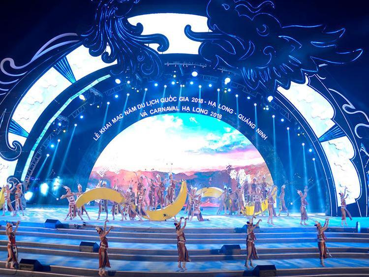 Carnaval Hạ Long 2018 gây ấn tượng mạnh mẽ với du khách.