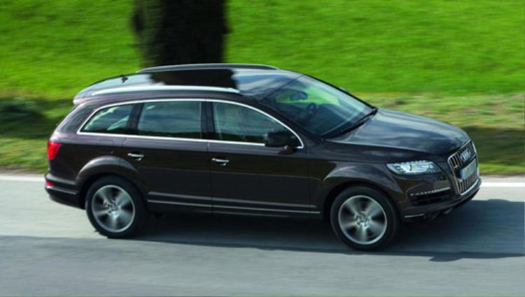 """Ca sỹ """"tóc nâu môi trầm"""" đổi sang dùng Audi Q7 vào năm 2010 và được cho là vẫn dùng chiếc xe này cho tới nay."""