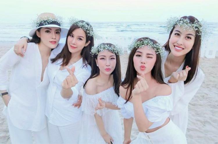 Hội chị em sang chảnh Kỳ Duyên, Diệp Lâm Anh, Hà Lade diện dresscode trắng quẩy tung Đà Nẵng dịp nghỉ lễ