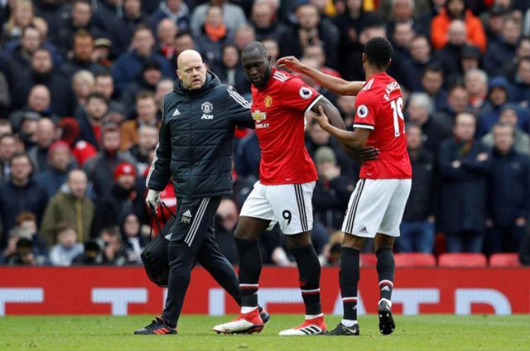 Chấn thương mắt cá, Lukaku có nguy cơ lỡ trận chung kết FA Cup