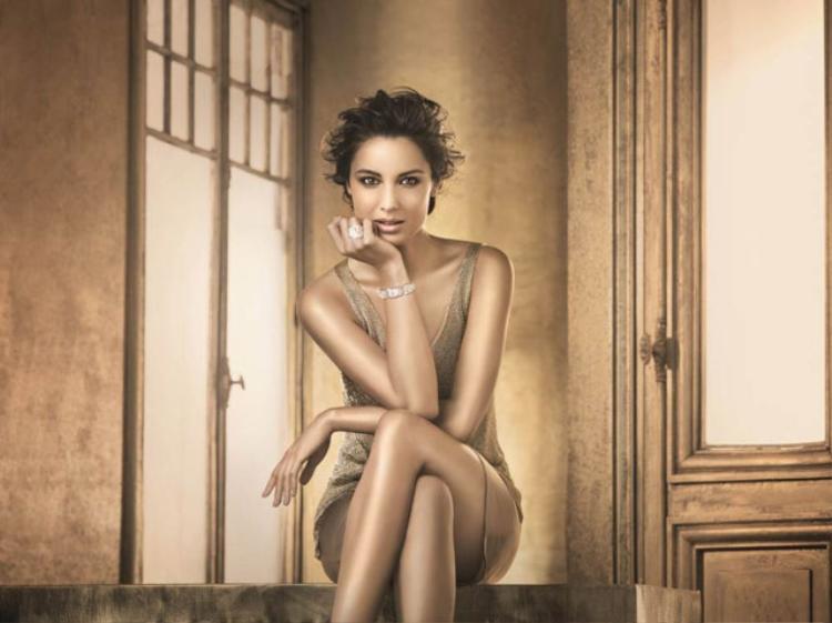 Ngắm đường cong 'nảy lửa' của nữ diễn viên Skyfall từng bị nghi 'đá cặp' với Karim Benzema