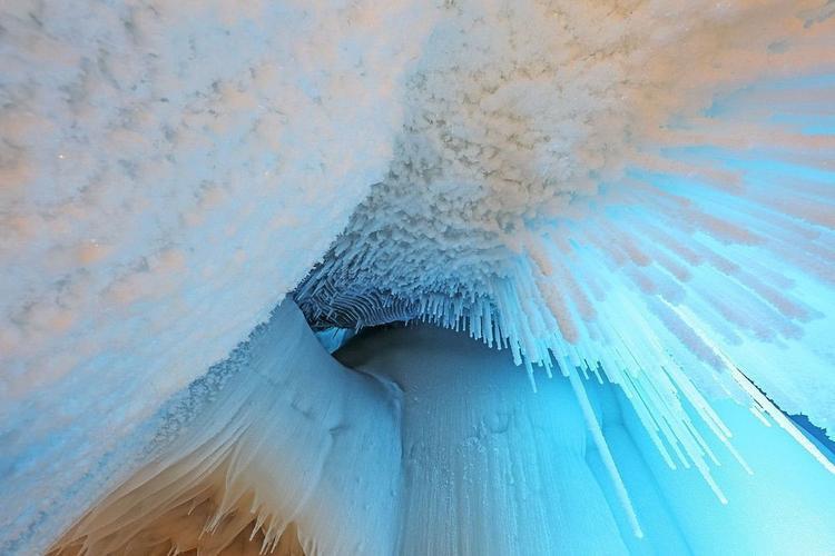 Giải mã động băng không tan chảy vào mùa hè