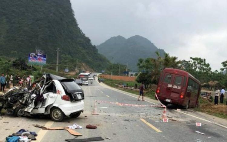 Ba ngày nghỉ lễ cả nước xảy ra 76 vụ tai nạn giao thông làm 52 người chết.