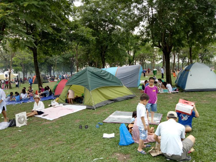 Thời tiết Hà Nội dịp 30/4 - 1/5 năm nay khá thuận lợi cho việc vui chơi của người dân.