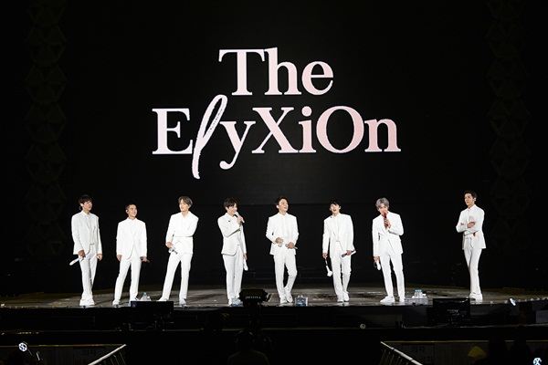 Concert EXO Planet #4 - The ElyXiOn