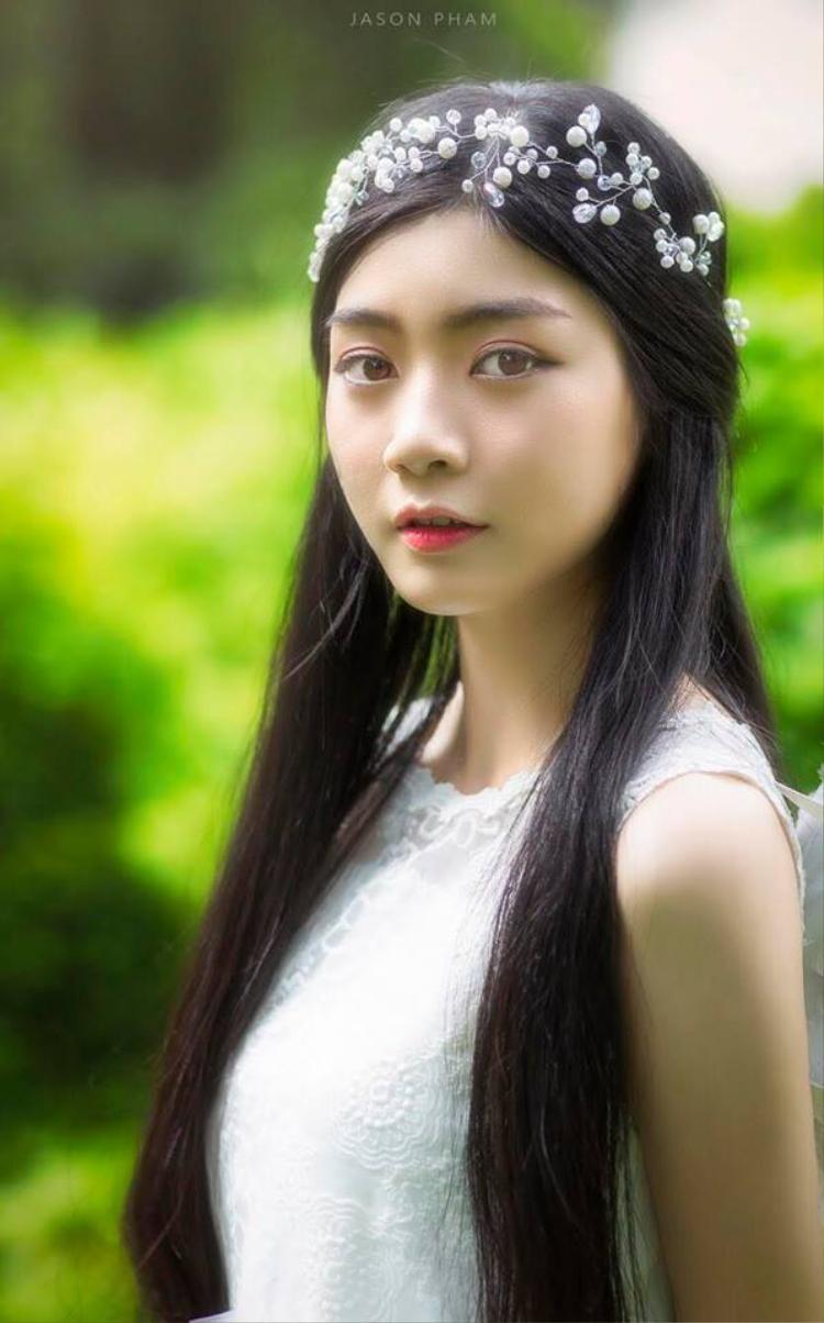 """Cận cảnh gương mặt """"không góc chết"""" của Missteen Nam Phương."""