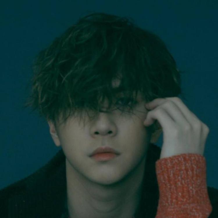 """Cựu thành viên MBLAQ - Thunder sẽ """"thả xích"""" cho đĩa đơn Smile vào ngày 1/5. Single gồm 2 ca khúc do chính anh sáng tác."""