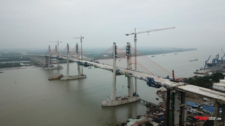 Đây là cây cầu đầu tiên người Việt tự thiết kế, tổ chức thi công với công nghệ tiên tiến nhất hiện nay.
