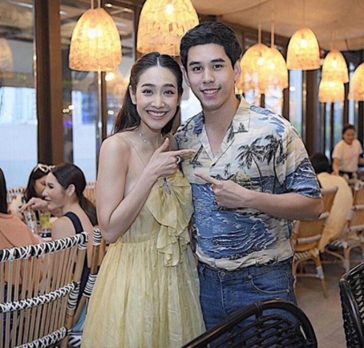 Sinh nhật Min Pechaya nhưng bạn trai doanh nhân như 'soái ca' mới là người được dân tình chú ý