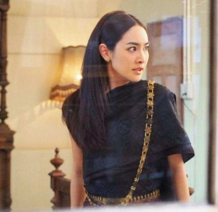 Min Pechaya thử sức với vai diễn mới trong phim Nang Thip.