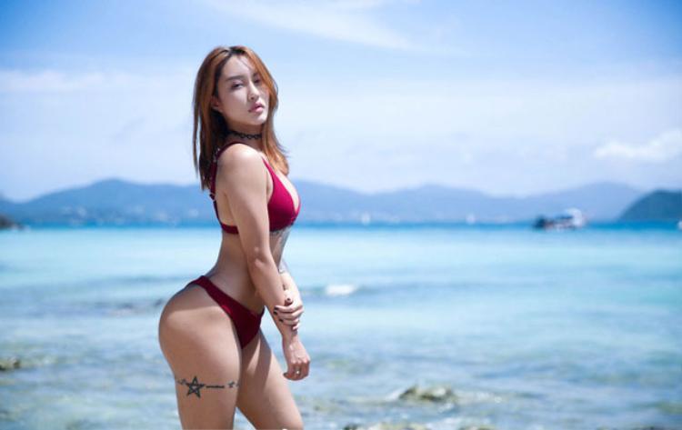'Mê muội' trước vòng 3 của nữ HLV thể hình người Trung Quốc