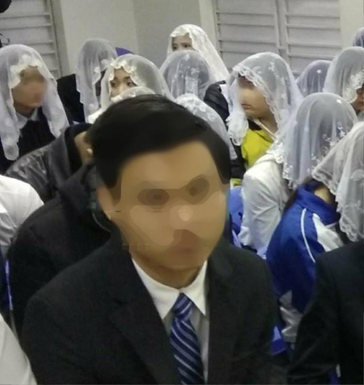 """Một buổi truyền đạo của """"Hội Thánh Đức Chúa Trời Mẹ"""" tại Hải Phòng. Ảnh: Người Lao Động."""