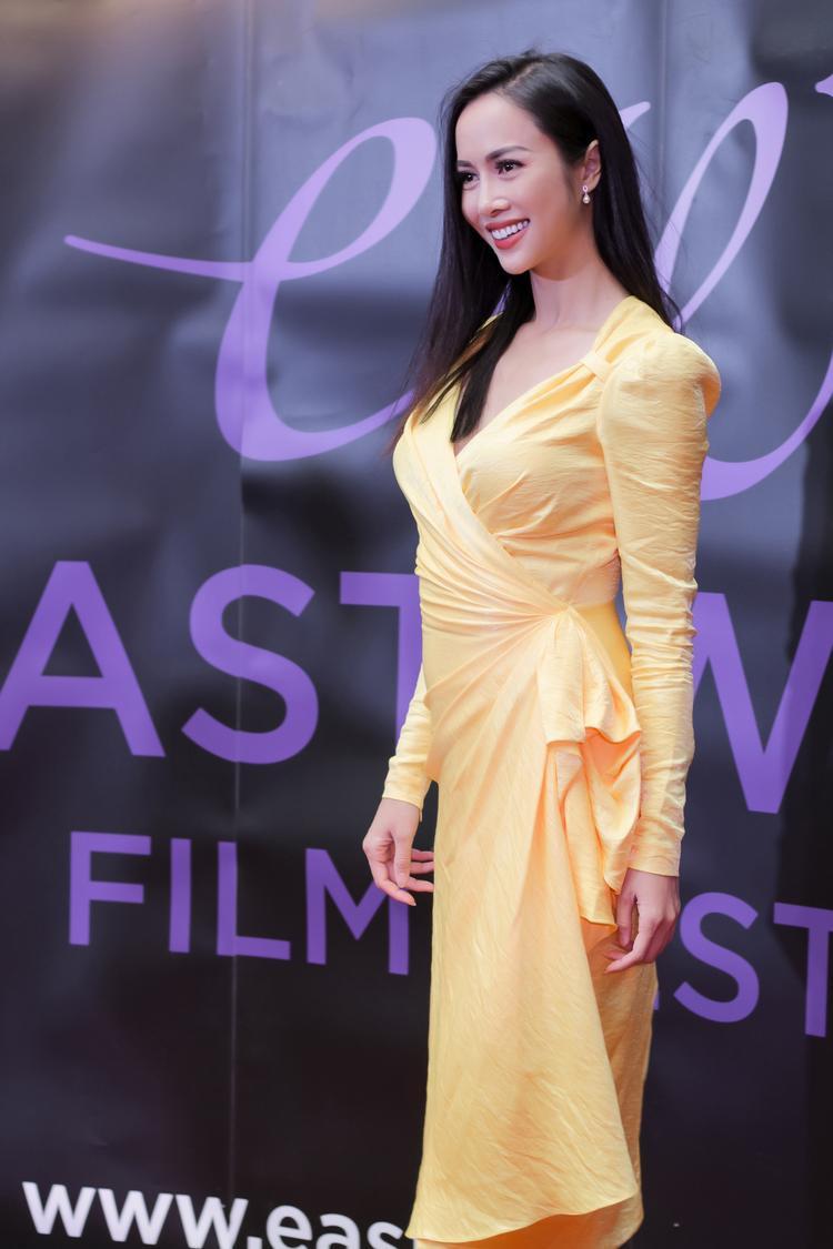 Nữ diễn viên quyến rũ.