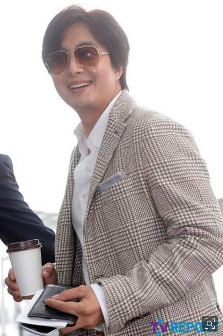 Bae Yong Joon cũng lên tiếng phủ nhận thông tin.