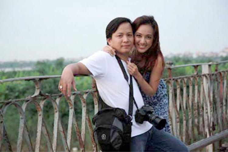 Hoài Anh là biên tập viên có chất giọng miền Nam đầu tiên giữ sóng Bản tin Thời sự 19h của Đài Truyền hình Việt Nam. Nữ biên tập viên sinh năm 1980 này khá kín tiếng về gia đình và chồng.
