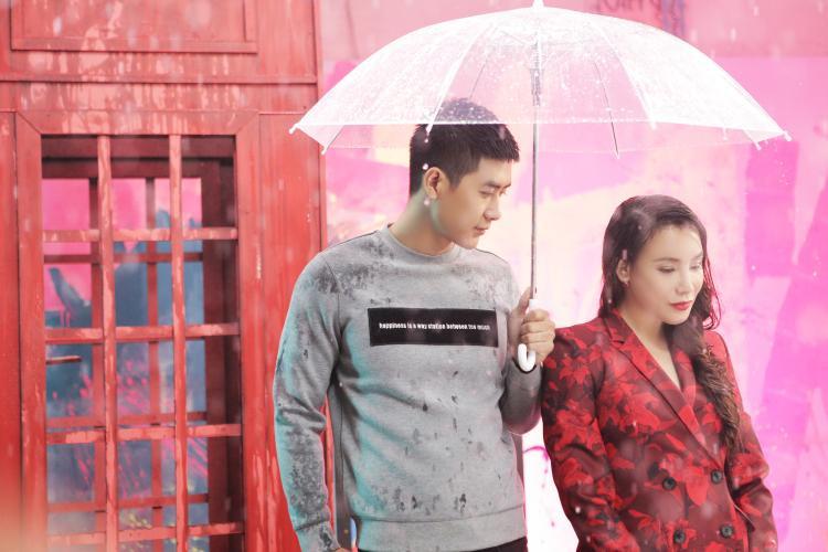 Đây là loạt trai đẹp hẹn hò cùng nữ ca sĩ họ Hồ trong MV mới.
