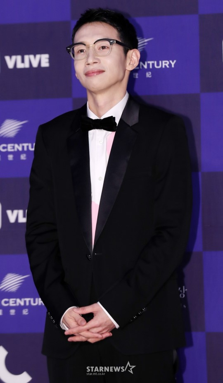 """Diễn viên Bong Tae Gyu của """"Return""""."""