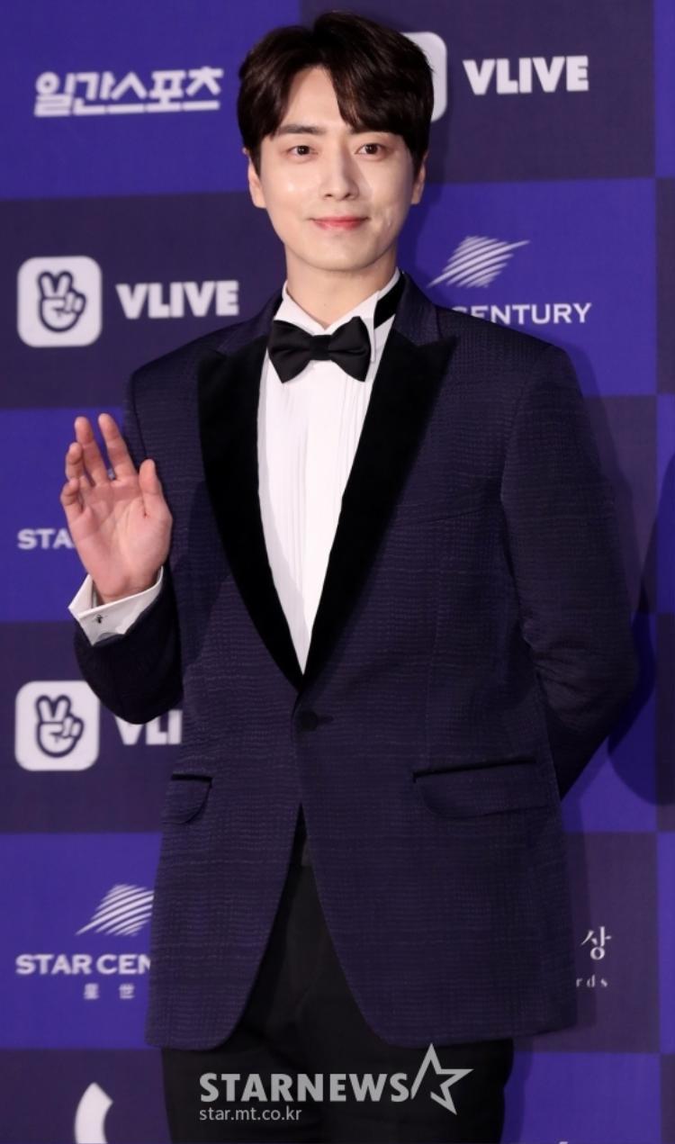 Lee Jun Hyuk.