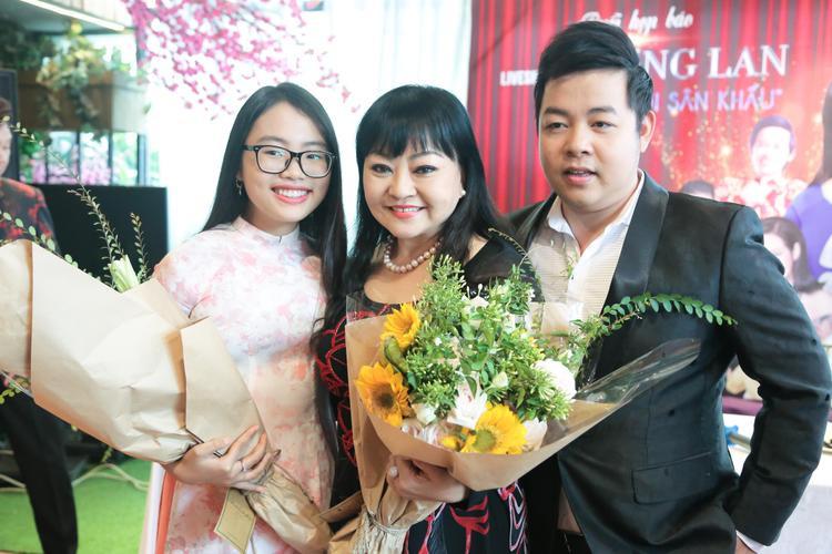 Phương Mỹ Chi trong họp báo liveshow danh ca Hương Lan vừa qua.