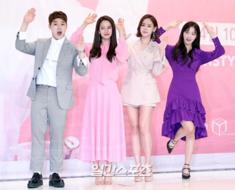 Các thành viên của chương trìnhBeautiful Life of Song Ji Hyo.