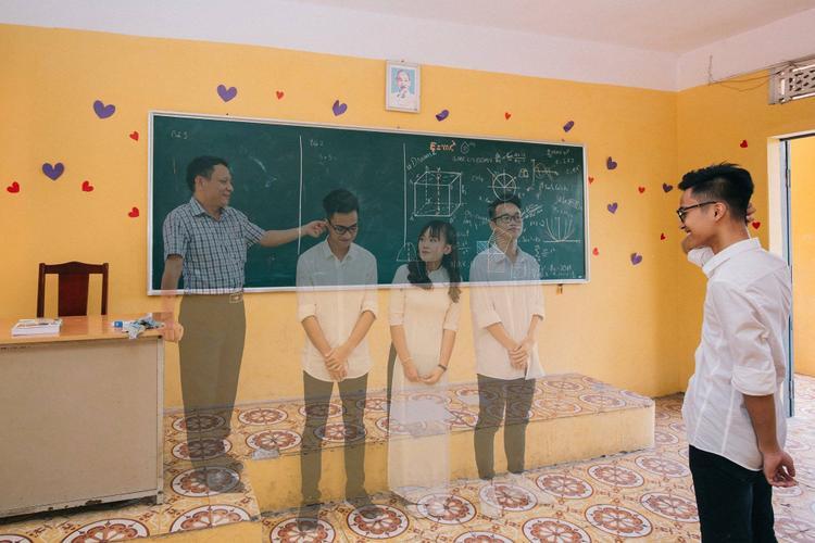 """""""Tôi ước bây giờ được ngủ một giấc, mở mắt ra thấy mình vẫn ở lớp học ngày ấy""""."""