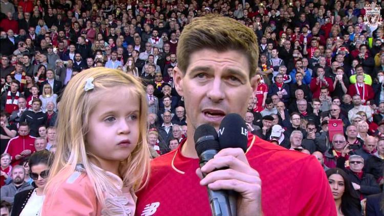 Gerrard nói lời tạm biệt với các CĐV trong trận đấu cuối cùng của anh tại Anfield