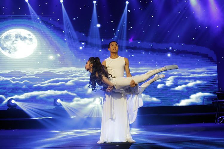 Phần thi tài năng múa đương đại đầy cảm xúc của Kiều Anh mang lại cho cô giải Vàng tài năng chung cuộc