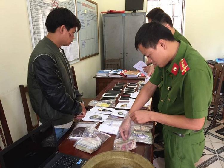 Đối tượng Phương tại cơ quan công an Ảnh Công an tỉnh Hưng Yên cung cấp