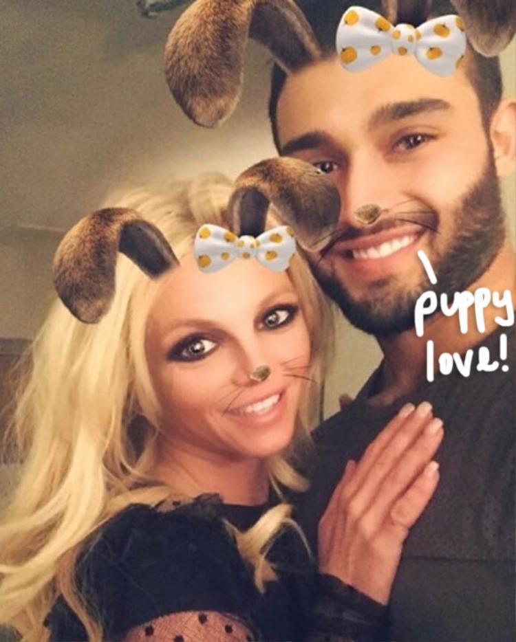 Phát hờn với clip luyện tập giữ dáng của Britney Spears với bồ trẻ