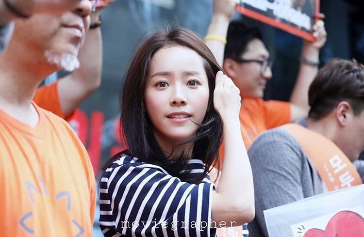 Khác với Chang Min  Yunho (DBSK) và Sehun (EXO), Han Ji Min đã làm điều này khi từ thiện trẻ em nghèo