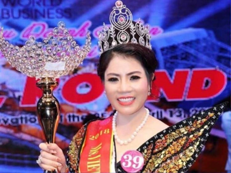 ân Hoa hậu Doanh nhân thế giới Việt Nam 2018 cầm đầu đường dây mua bán hóa đơn trái phép.