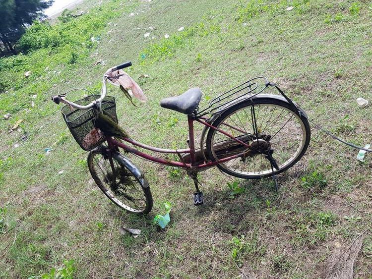 Chiếc xe đạp của nạn nhân xấu số.