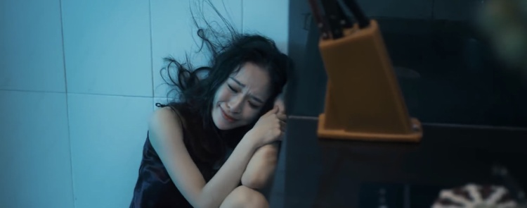 Kịch bản MV mới của Zero 9 như một phim điện ảnh về nạn xâm hại thể xác, bạo lực gia đình?