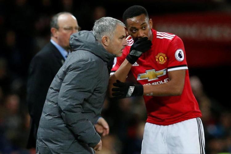 """Mourinho muốn """"tống cổ"""" Martial trong Hè tới."""