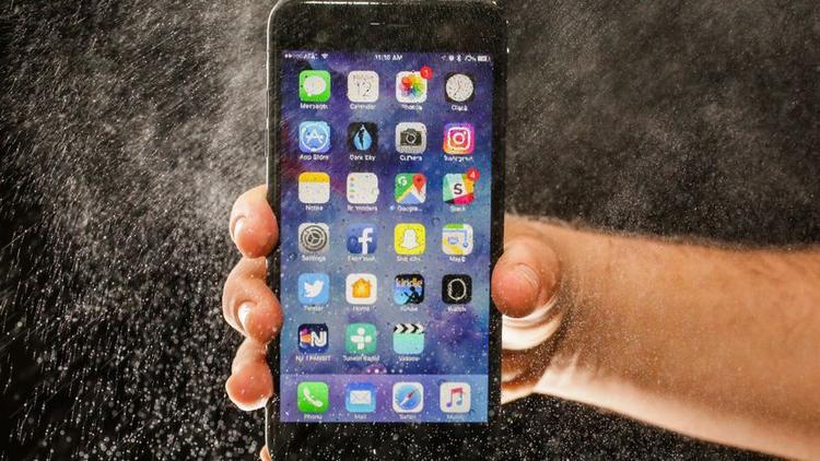 Kích thước font chữ mặc định trên màn hình iPhone là 14.