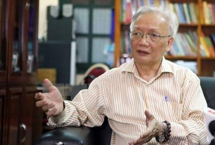 TS. Nguyễn Tùng Lâm lên án hành vi của nữ giáo viên tiếng Anh mắng chửi học viên.