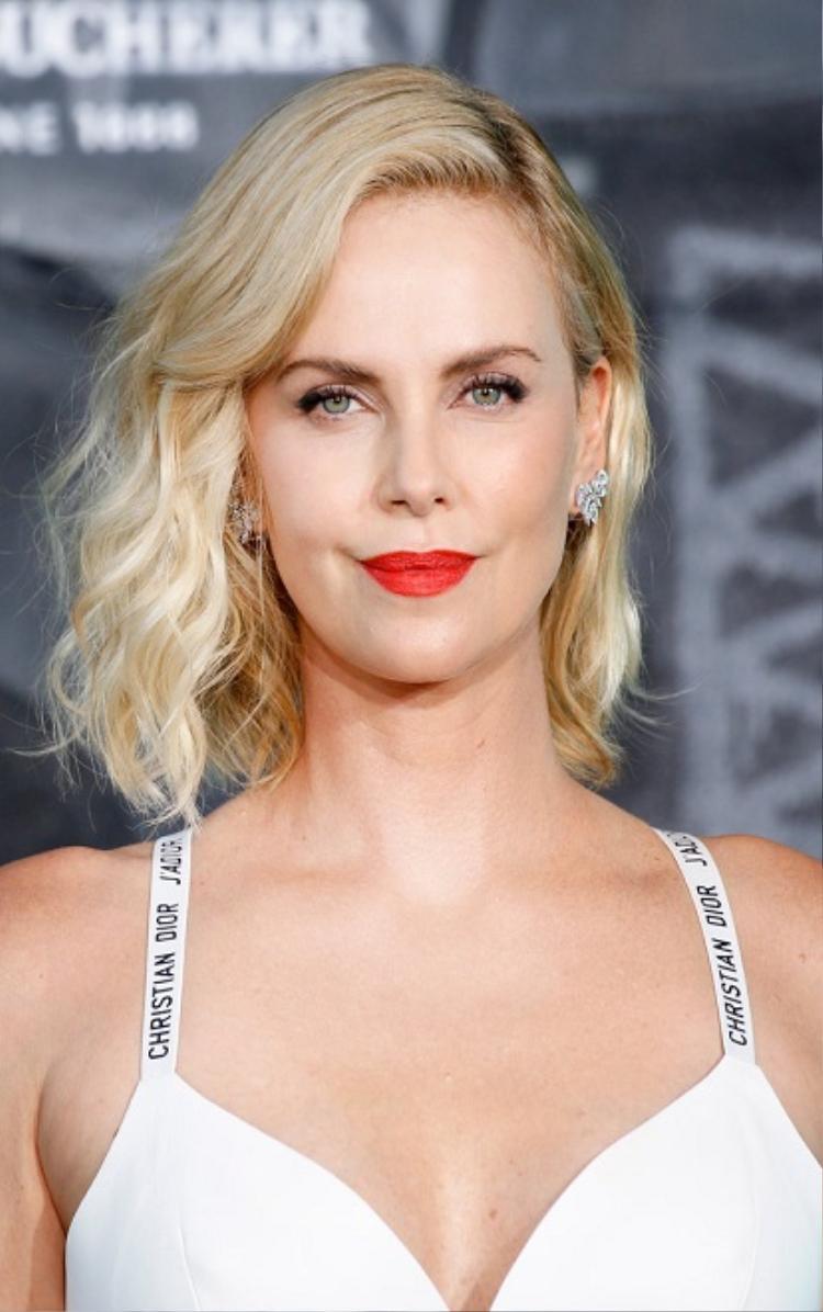 Bảo vệ làn da với gợi ý kem chống nắng từ các sao hàng đầu Hollywood