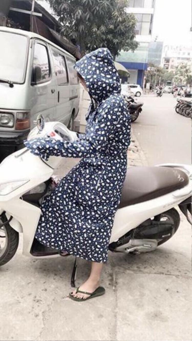 Các chị em ai nấy đều phải hóa thành ninja khi đi đường.
