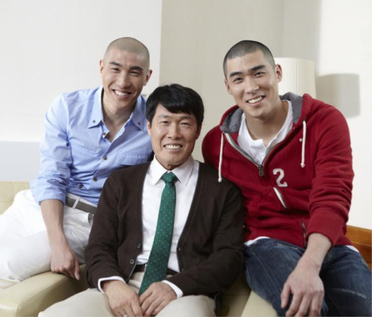 Cha Se Jji là em trai cựu cầu thủ bóng đá chuyên nghiệp Cha Doo Ri và là con trai của cựu cầu thủ bóng đá và là huấn luyện viên Cha Bum Kun.