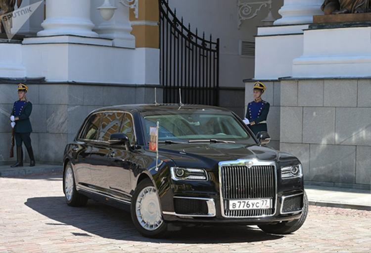 Siêu xe limousine ông Putin sử dụng trong lễ nhậm chức có gì đặc biệt?