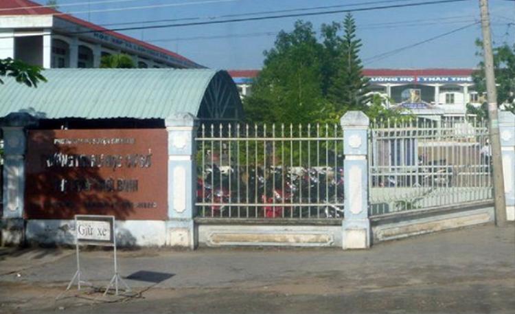 Trường THCS Thới Bình, nơi thầy giáo dạy Hóa bị tố sàm sỡ. Ảnh: Nhật Tân.