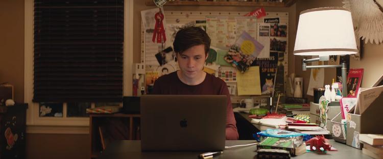 Love, Simon: Tại sao chỉ có gay hay les mới được come out?